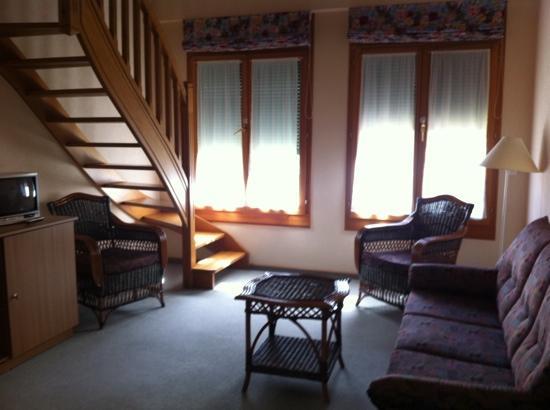 Hotel Des Vignes: lower level of duplex room
