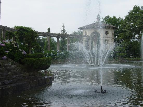 Villa Arnaga : La roseraie