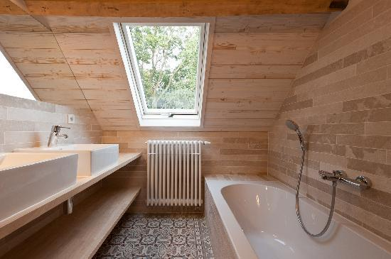Kapelhuis: Bathroom