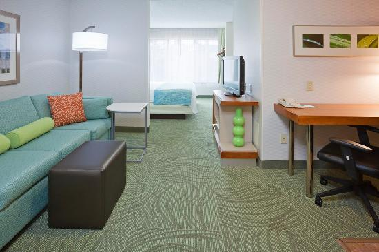 SpringHill Suites Rochester Mayo Clinic Area/Saint Marys: Separate living and sleeping areas, microwave and refrigerator- all the comforts in a spacious k