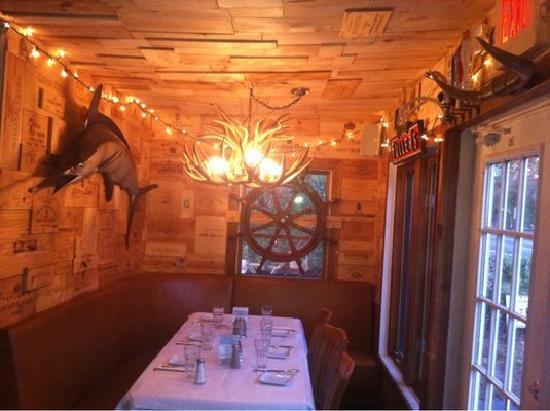 Nichol's of Easthampton: Large booth
