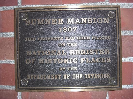 The Sumner Mansion Inn