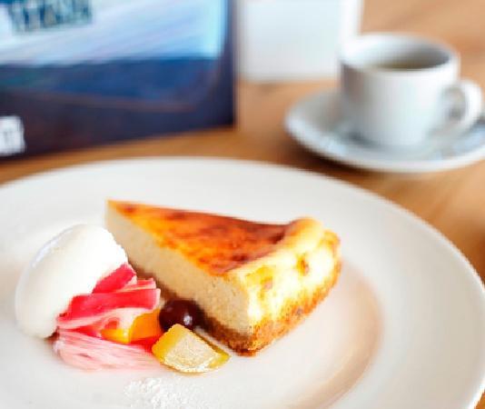 The Boardwalk Restaurant: Baked vanilla cheesecake