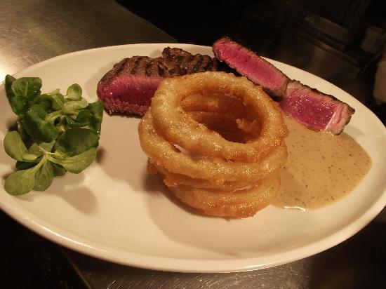 Derwentwater Arms: Local Rump Steak with homemade onion rings