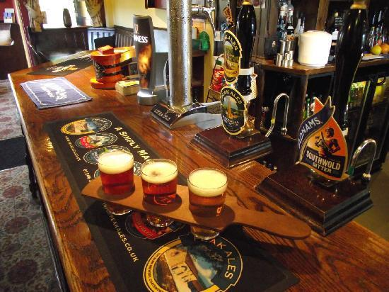 Derwentwater Arms: Real Ale Taster Bat, try 3 for the price of 1