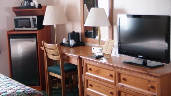 Palomar Inn: Refg./Micro./Coffee/32' HDTV/work-desk