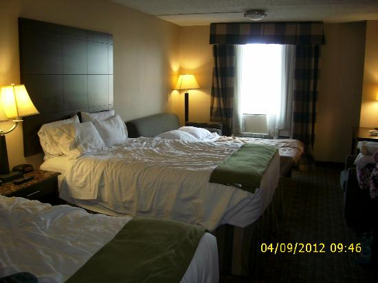Holiday Inn Express North Bergen - Lincoln Tunnel: Nice beds and rooms.