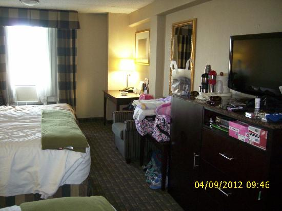 Holiday Inn Express North Bergen - Lincoln Tunnel: Ample space for all our stuff.