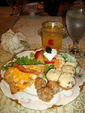 1884 Wildwood Bed and Breakfast Inn: This was the best breakfast I may have ever had