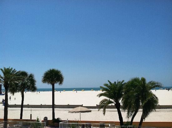 Treasure Island, FL: Beautiful view from the balcony