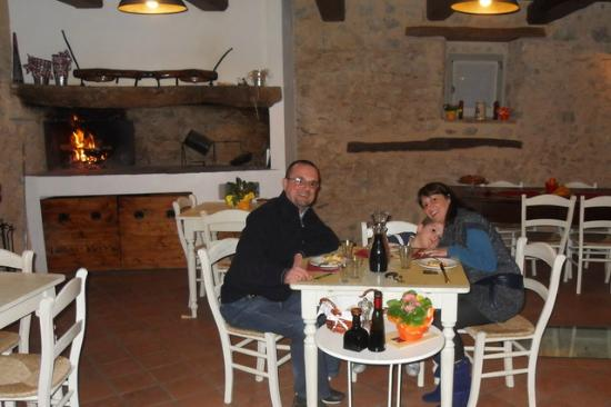 FonteAntica: la nostra famiglia il primo giorno in sala pranzo.