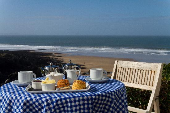 Watersmeet Hotel: Enjoy a Devon Cream Tea