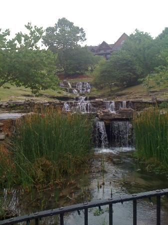 Big Cedar Lodge: One of the many waterfalls