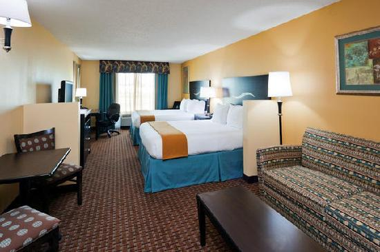 Holiday Inn Express Hotel & Suites Somerset Central: Double Queen Suite