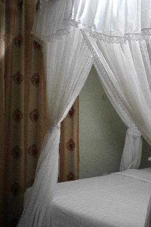 ماك - إليس هوتل: Our room