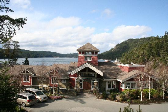 Poets Cove Resort & Spa: Main lodge