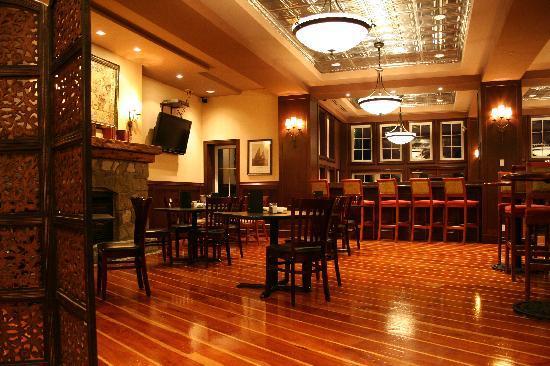 بويتس كوف ريزورت آند سبا: Syren's Pub