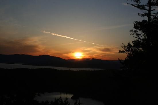 Poets Cove Resort & Spa: Sunset at Mt. Norman