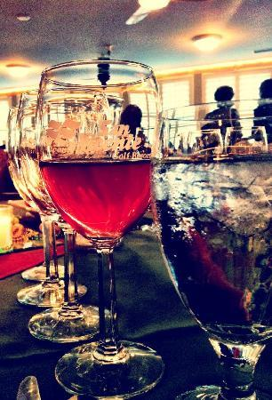 "San Vicente Golf Resort ""Wine at the Moon"""