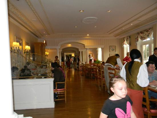 Disneyland Hotel : Espace salle à manger