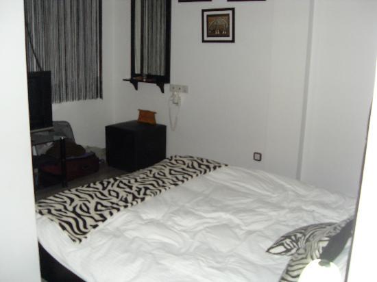 Asty Hotel: Zebra Room