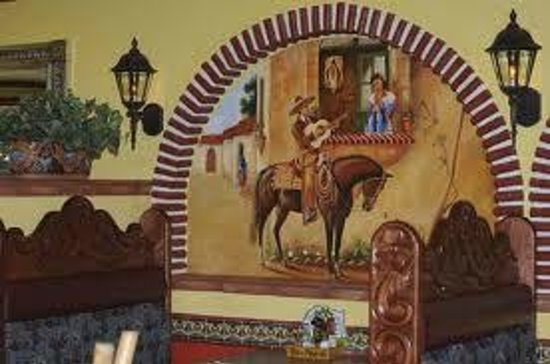 Don Pedro's Family Mexican Restaurant : beautiful handpainted murals inside