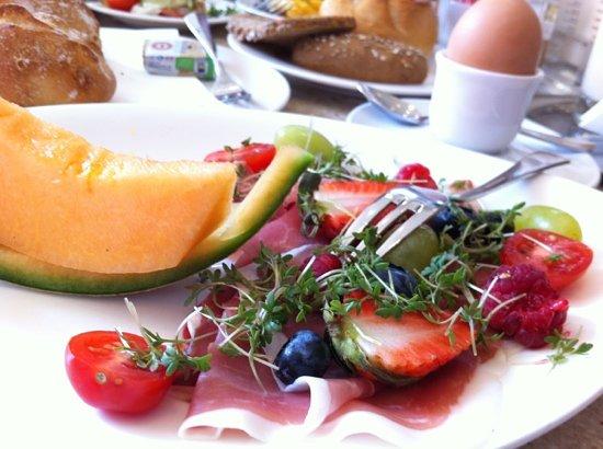 Fingerlos : Proscuitto Breakfast