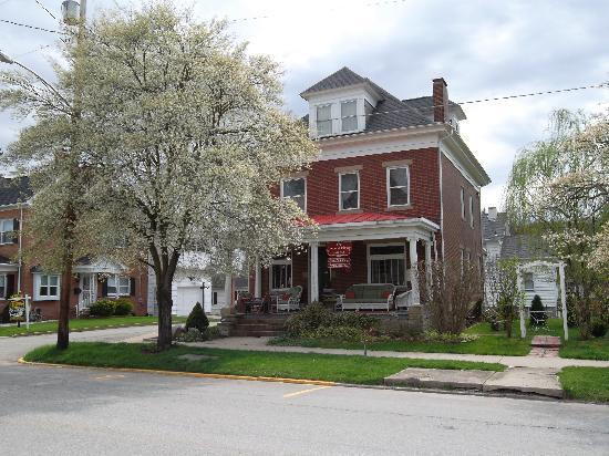 Colonial Bed And Breakfast Ligonier Pa