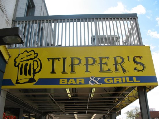 Tippers Bar & Grill: out front canopy