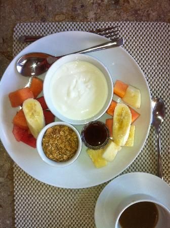 Hotel Cirilo: Breakfast