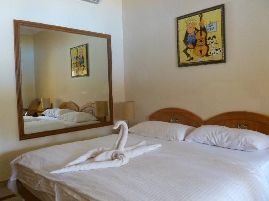 Casa De Goa Boutique Resort: Interior of room beautifull made up