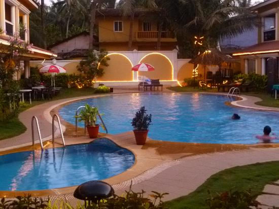 Casa De Goa Boutique Resort: View from room at dusk