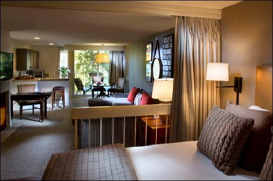 Le Parc Suite Hotel: The Bedding Area in the King Suite