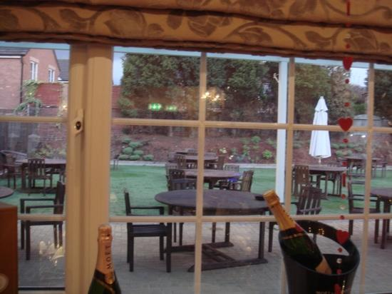 The Hare & Five Hounds Hotel: all fresco