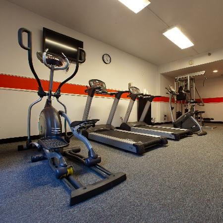 DoubleTree by Hilton Whittier Los Angeles: Fitness Center
