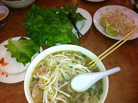 Viet Ai Vietnamese Restaurant: Super fresh ingredients.  Let's simple food stand on its own.  Perfect!