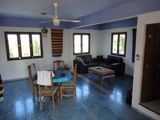 El Milagro Beach Hotel and Marina: Penthouse Livingroom