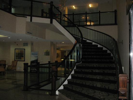 โรงแรมรามาดา พลาซา ไนแองการา ฟอลส์: Hotel lobby