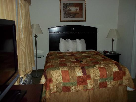MainStay Suites Texas Medical Center/Reliant Park: bed