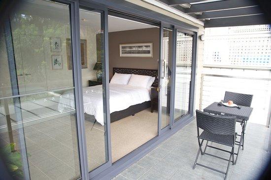 Forsyth Bed & Breakfast: Rozelle room balcony