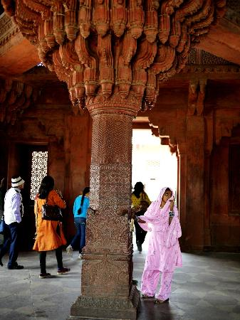 Delhi Bed and Breakfast: Daytrip to Fatehpur Sikri