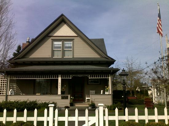 Hedman House, A Bed and Breakfast: The lovely house