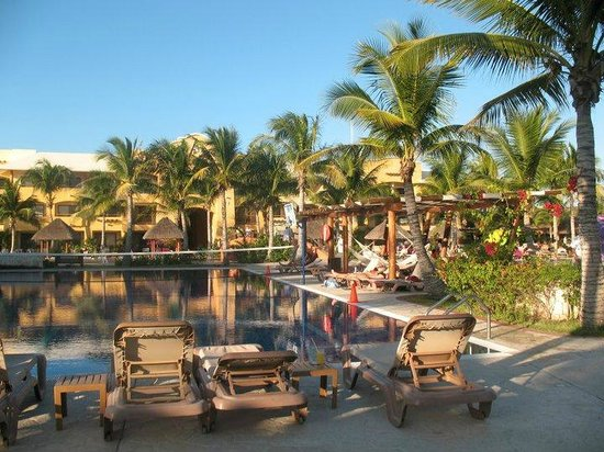 Barceló Maya Beach: Spectacular architecture and cleanliness