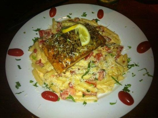 Tuscany Italian Restaurant: Special prep Salmon dish not on menu to appease medical condition