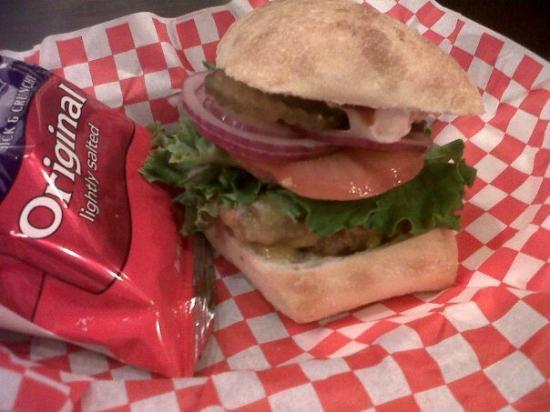 Divine Burger Bistro: Divine Burger