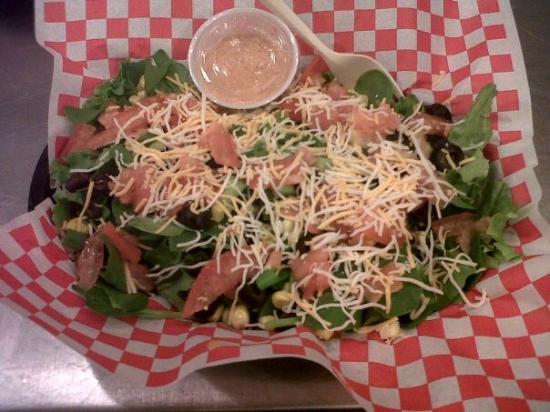 Divine Burger Bistro: Southwest Salad