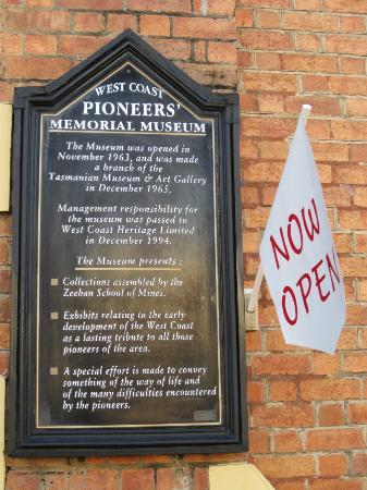 West Coast Heritage Centre, Zeehan: entrance board at West Coast Heritage Centre