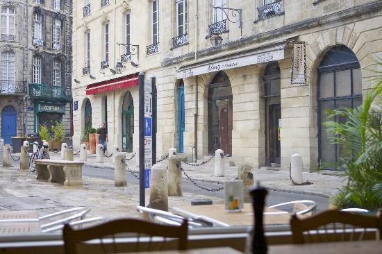 Place du Parlement : Вид на площадь из кафе KARL