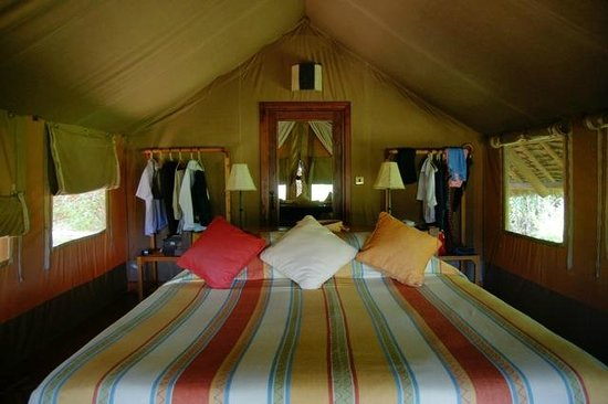 Tortilis Camp: The tent interior (huge bathroom at the back behind mirror door)