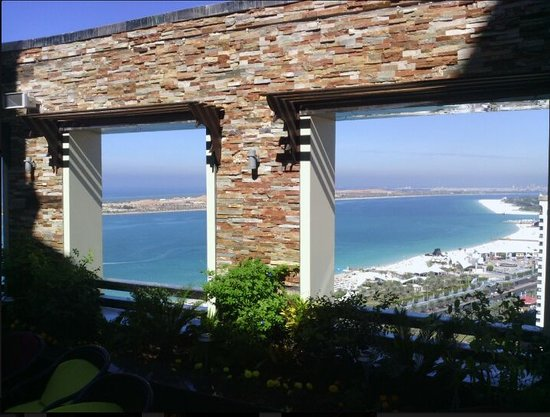 LaFontana Restaurant & Cafe: View of the Cornish from the Terras